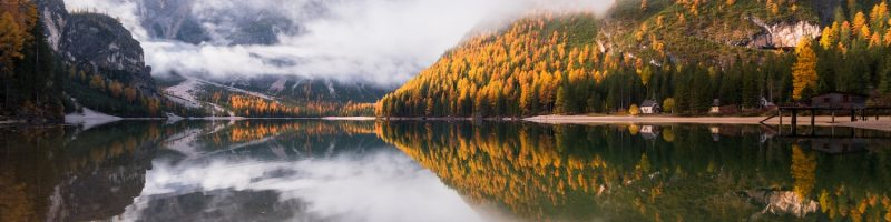 moody-autumn-day-in-the-dolomites-forest-and-mount-9KNZCFT-min